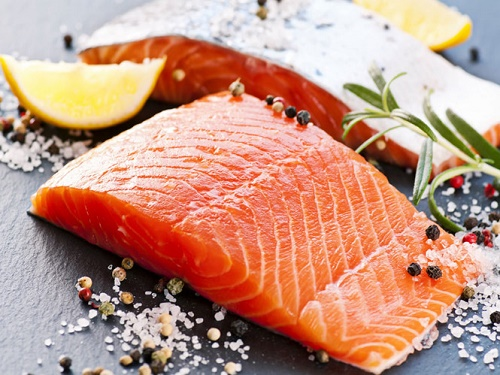 Bổ sung cá vào chế độ ăn