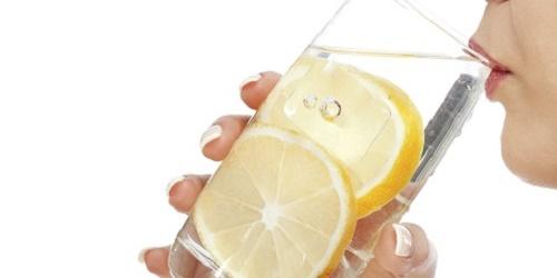 Cách uống nước chanh giải độc gan
