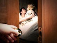 Chồng yếu sinh lý là nguyên nhân khiến vợ ngoại tình, đáng thương hay đáng trách?