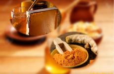 Tác dụng của tinh bột nghệ đen và mật ong trong chữa bệnh