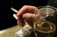 Đàn ông hút thuốc lá gây liệt dương