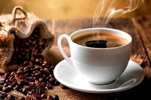 Không uống cà phê, chất kích thích trước khi đi ngủ