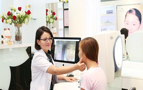 Cần thăm khám bác sĩ để cấp cứu cho da dị ứng
