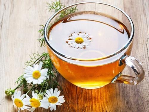 Chữa bệnh tiêu chảy bằng trà hoa cúc