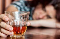 Bia rượu khiến bạn mệt mỏi, đau đầu khi ngủ