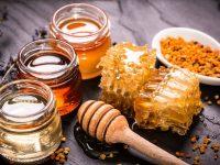Uống tinh bột nghệ vàng mật ong giúp phụ nữ ĐẸP KHÔNG TÌ VẾT, tại sao không?