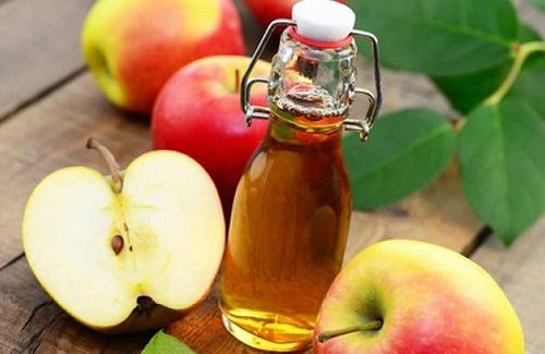 Dùng giấm táo chữa viêm họng