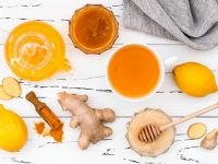 Cách làm tinh bột nghệ mật ong đắp mặt tại nhà giúp đẹp da