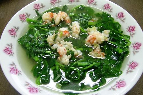 Canh rau cải cúc nấu tôm