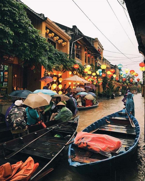 Những thành phố mặc mưa gió vẫn chào đón bạn với khung cảnh tuyệt đẹp