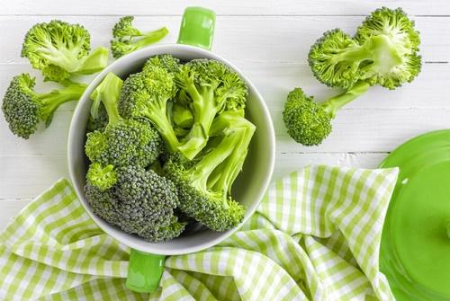 Ăn nhiều rau củ giúp trẻ bổ sung canxi