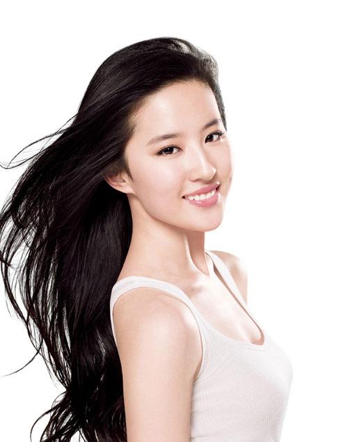 Tinh bột nghệ thích hợp dùng cho những loại tóc yếu và hư tổn ở nữ giới
