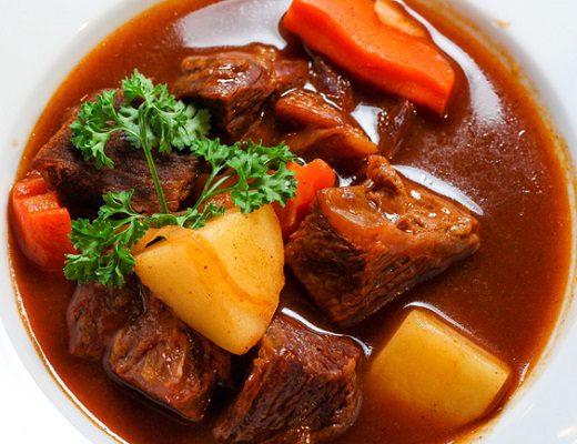 Hướng dẫn cách nấu thịt bò sốt vang ngon đúng điệu